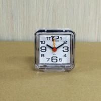 """В1-001 Настольные часы-будильник с кварцевым механизмом """"Классика"""""""